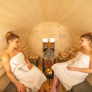 Genießen Sie Ihren Saunagang in einer gemütlichen Umgebung in einer Fassauna von Holzklusiv